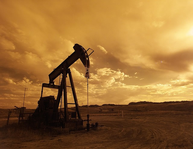 Gestiegener Ölpreis schiebt Spritpreise an