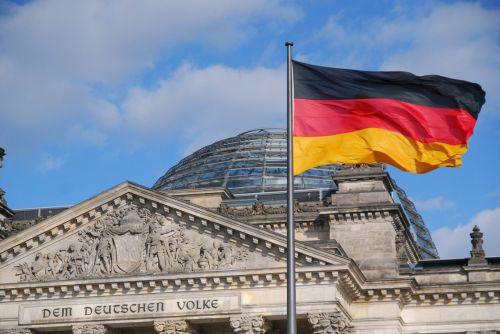 Bund gleicht Emissionen aller Dienstreisen und der EU-Ratspräsidentschaft aus