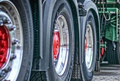 Elektromobilität: LKW-Teststrecke auf der A1