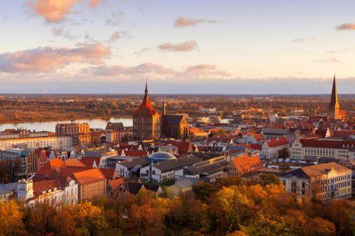 Stadtluft wird sauberer: Zahl der Städte über dem NO2-Grenzwert halbiert sich im Jahr 2019