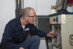 Kohlenmonoxid: Heizung und Kamin regelmäßig warten - TÜV Rheinland informiert