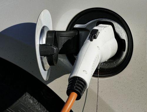 Elektro- und Hybridautos: Kaufprämie sichern