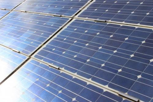 IHK Halle/Dessau: Merkblatt zu kleinen Photovoltaik-Anlagen