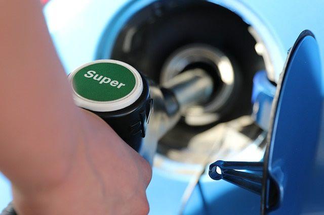 Kraftstoffpreise trotz Ölpreisanstieg weiter gesunken