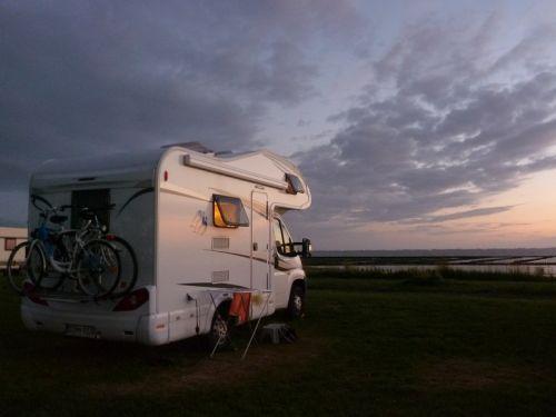 Behagliches Wintercamping: Flüssiggas macht's möglich