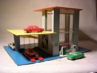 DDR-Spielzeugtankstelle