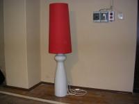 Stehlampe mit Porzellanfuß