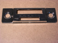 Chrom-Blende für Berlin-Radio / 16,5 x 5,5 cm
