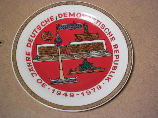 Porzellanteller 30 Jahre DDR