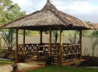 Bambus Pavillon, Gazebo 5 x 5 m mit Seitenteilen, Tisch u. Bänken