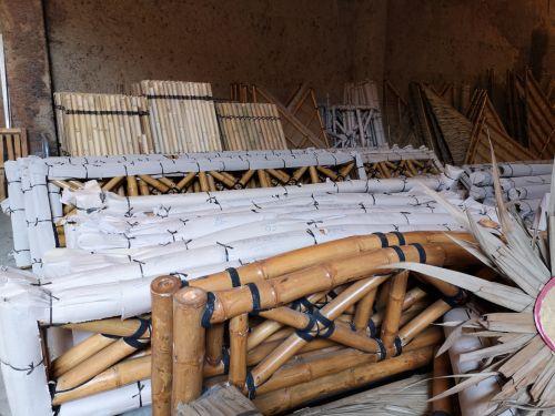 Unser Lager ist wieder gut gefüllt! Neu: Zäune aus Bambus-Rohr