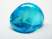 Aqua Aura Bergkristall Trommelstein