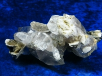 Bergkristallstufe mit Glimmer und Schörl aus Pakistan