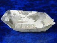 Doppelender-Bergkristallstufe mit Orthoklas aus Norwegen