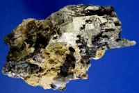 Skelett-Rauchquarz Kristalle mit Turmalin