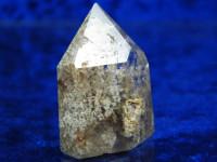 Klare polierte Bergkristall Spitze mit Einschlüssen