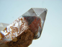 Rote Phantom-Bergkristallstufe aus Namibia