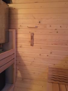 Fassgartensauna Kwadro 3m lang mit Vorraum mit Elektroofen
